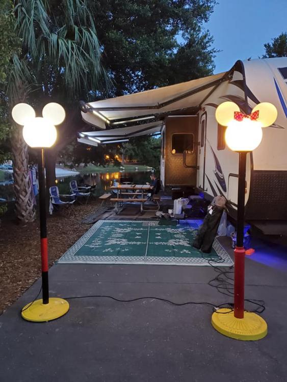 Camper_Mickey_Minnie.jpg